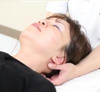 ムチウチ症の治療